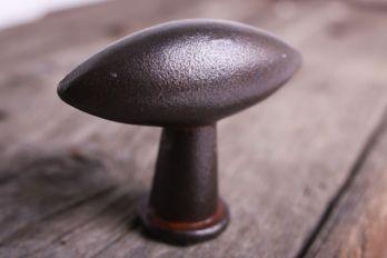 Knop ovaal/olijf roest, zwart of grijze metaalkleur 54mm
