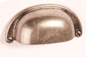 Komgreep zilver antiek 64mm