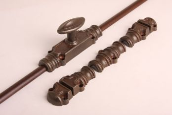 Raam- of deursluiting espagnolet roest of tinkleur met twee stangen.