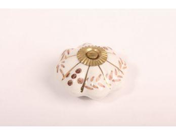 Knop porselein wit met bruine bloemen 48mm met voetje en messing bout