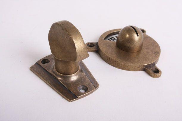 Wc sluiting brons antiek platte knop met art deco rozet en zwart