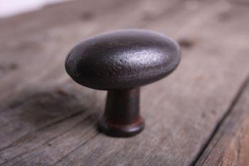 Ovale knop gietijzer roest, zwart of tinkleur 41mm
