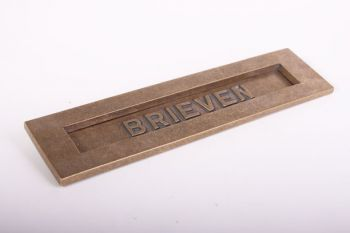 Brievenbus groot geveerd brons antiek met tekst BRIEVEN