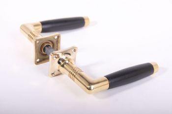 Jarden dertig deurkruk ton-model messing polijst met ebben-hout inclusief rozetten