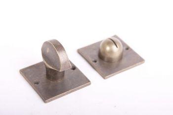 WC sluiting brons antiek vierkant 50mm met  platte knop