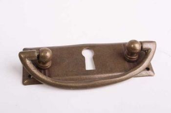 Klassieke greep voor lades brons antiek 80mm met sleutelgat klein