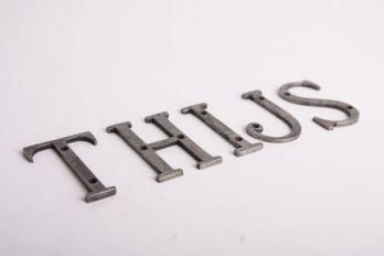 Huis letter zilver antiek A-Z 75mm