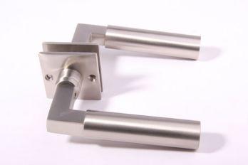 Deurklink (paar) Bauhaus 120mm geborsteld nikkel met rozetten