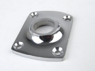 Rozet voor deurklink van massief messing in de kleur blinkend chroom (ook in blinkend nikkel). De breedte van het rozetje is 37 milimeter en het gat is 15 mm.